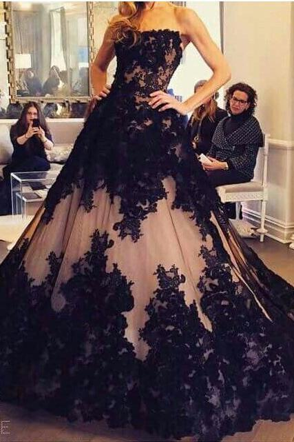 Black Lace Luxury Evening Dresses 2017 A-line Strapless Sweep Train Tulle Formal Party Dresses,Party Gowns